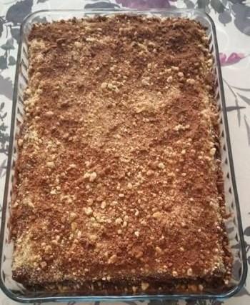 Домашна торта /с бискивити, нутела, локум и стафиди/